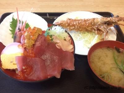 大宮市場名物海鮮丼セット